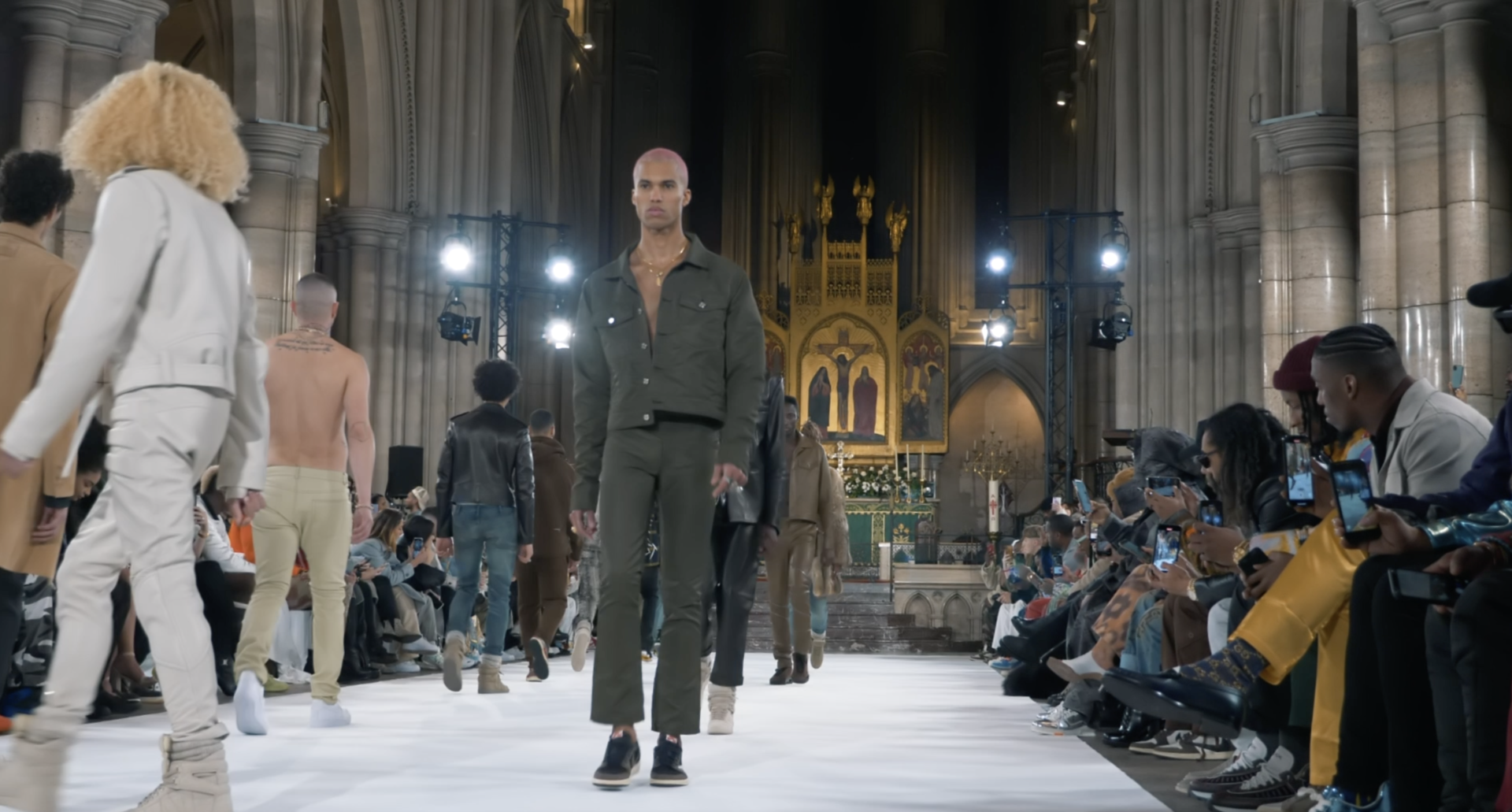 AGENCE IGEXPERT Couverture Défilé Fashion Week - Laundered Works Corp